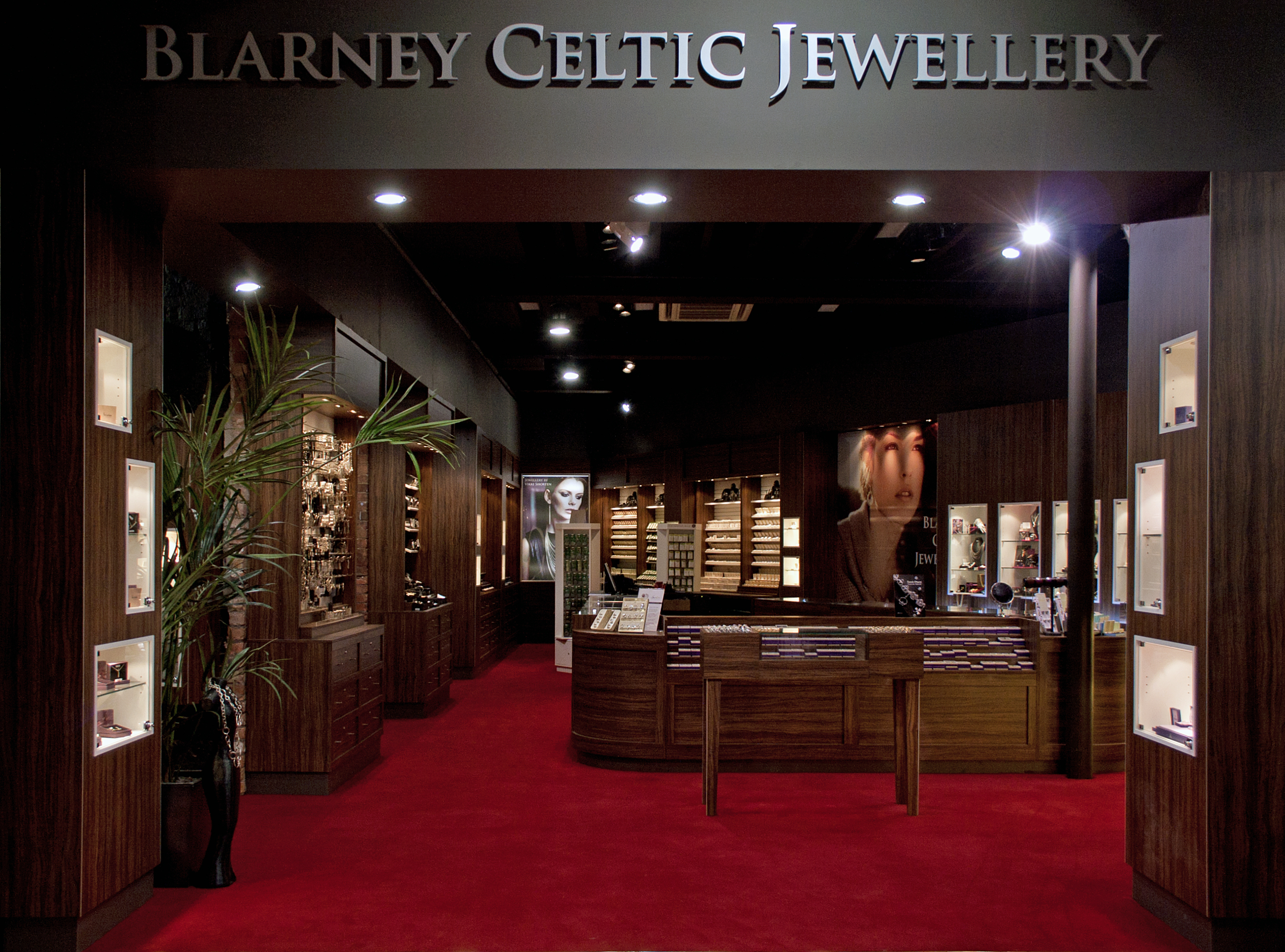 photo photos app jewelleryshopping airport shops jewellery shopping main dubai
